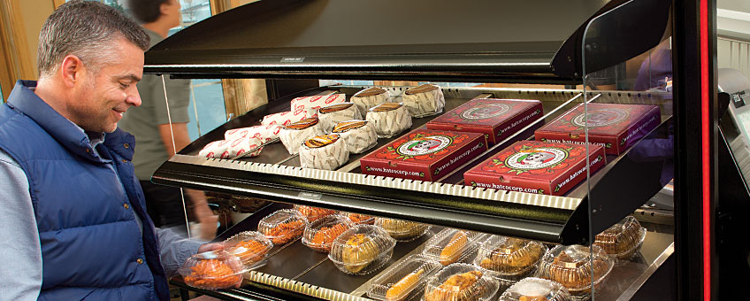 Hot Food Merchandisers | Packaged Hot Food Display Cases